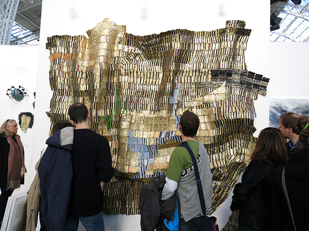 In The World But Don't Know the World(2009) ©El Anatsui